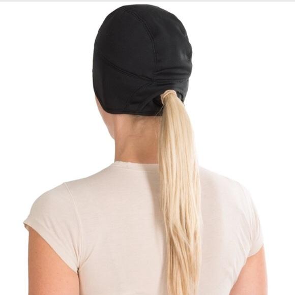 ae0b01c7049 Nike Ponytail Hat. M 5a6a70ca3a112edbc65f2a6b